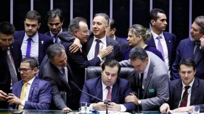 Por 379 votos a 131, Câmara dos Deputados aprova texto-base da nova Previdência