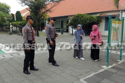 Sambangi Objek Vital Wisata, Polisi Unitpamobvit Sampaikan Pesan Kamtibmas Kepada Para Pengunjung