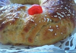 http://elcuadernoderecetas.blogspot.com.es/2013/01/roscon-de-reyes-ii.html
