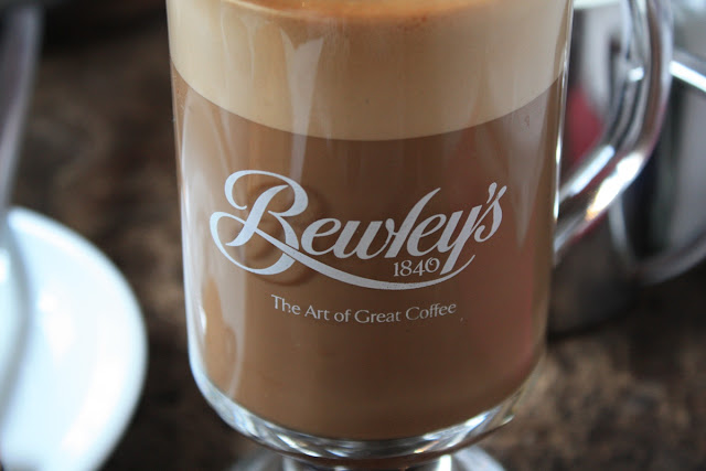 Bewley's, The Art of Great Coffee - wie wahr! © Copyright Monika Fuchs, TravelWorldOnline