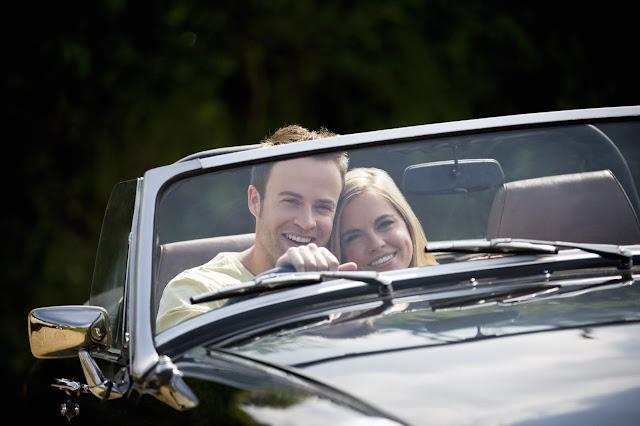 couple clasic car