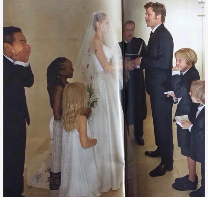 Pitt Jolie Wedding Photos: Angelina Jolie & Brad Pitt's Wedding
