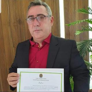 Reeleito com 1.633 votos - 5,03%, e o mais votado vereador e professor Raimundo Macedo (PSDB), foi diplomado para segundo mantado nesta quarta-feira (16 em Guarabira PB