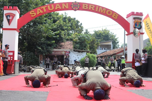 Upacar penyambutan Brimob Polda Lampung