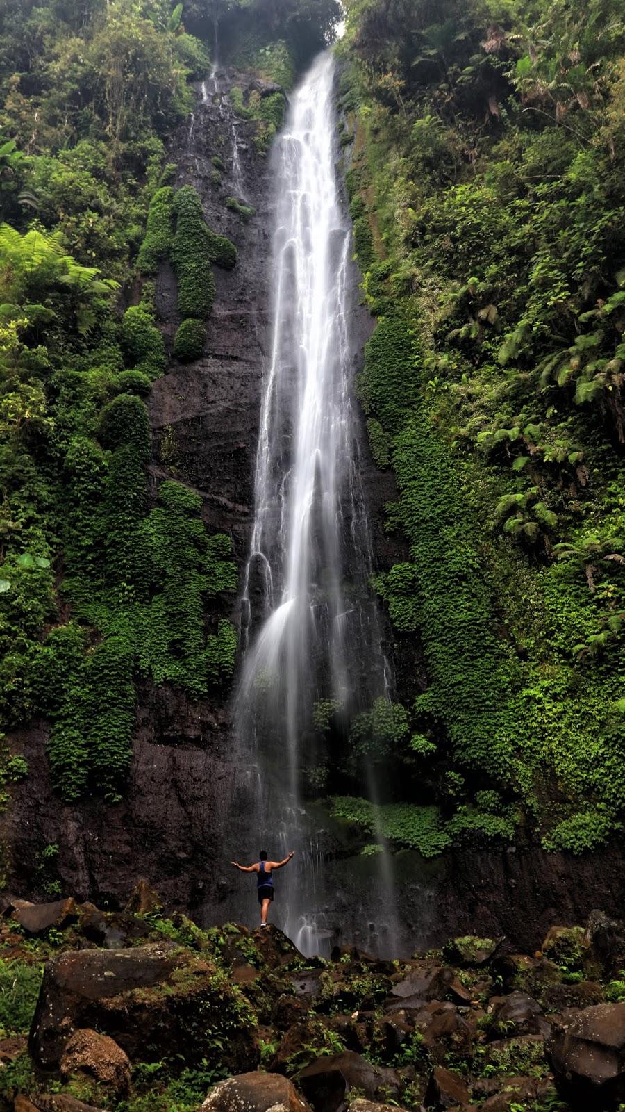 Air Terjun di Kaki Gunung Gede Pangrango