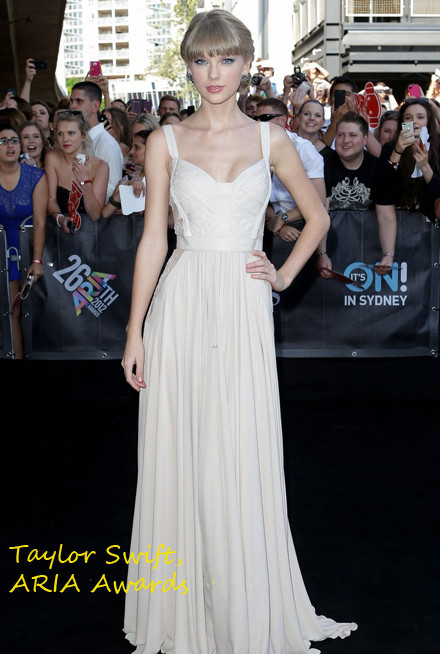 808a07988fc Taylor Swift wowed the paparazzi at the ARIA Awards in Sydney wearing an  impeccably elegant