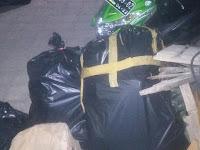 Biaya Angkut Kecil, Petugas Mobil Tangkasa Menolak Mengambil Sampah Warga
