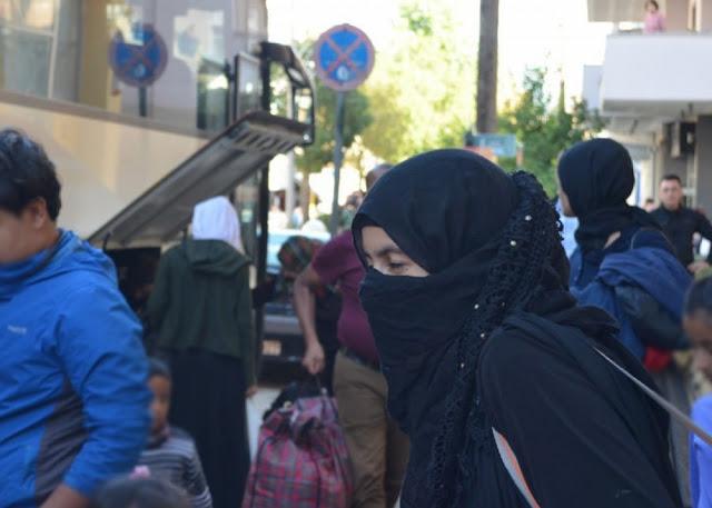 Στη Σπάρτη 200 πρόσφυγες και μετανάστες εν μέσω αντιδράσεων