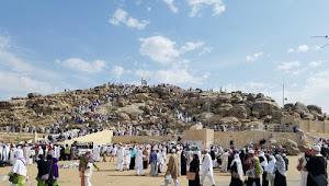 10 Amalan Dzikir Malam Hari Arafah dari Rasulullah - Agar Terkabul Hajat