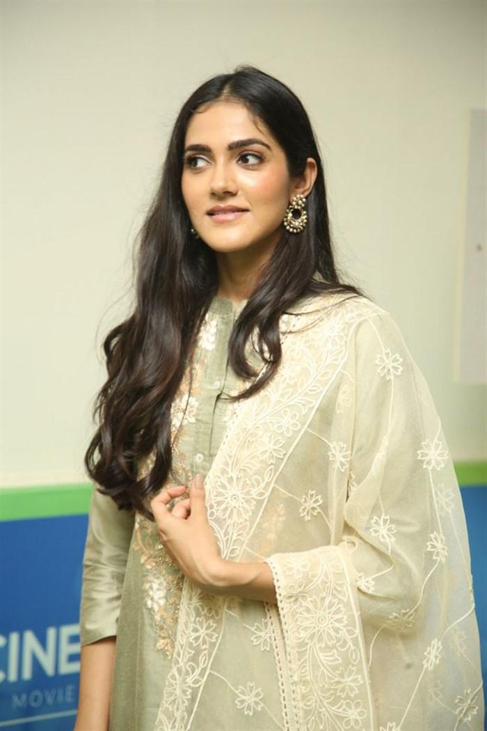 Indian Model Simran Chowdary in Sandal Color Churidar Dress at Sehari Movie Launch Function (10)
