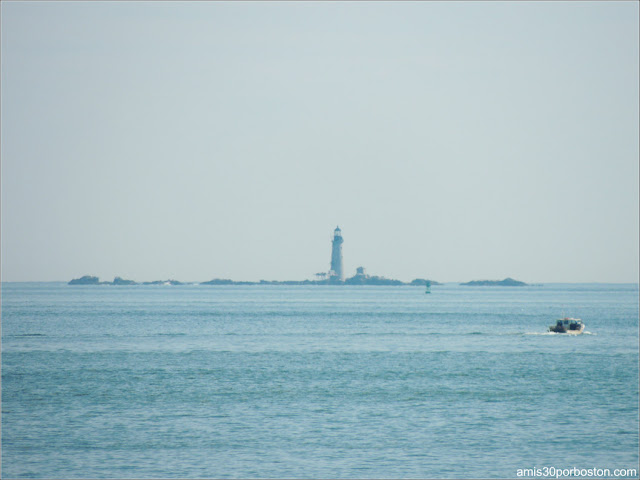 Boston Light desde Spectacle Island