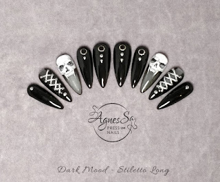 Hand Painted Vampire Skull Nails