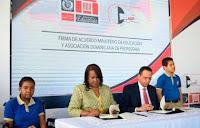 El más reciente acuerdo entre el Minerd y la ADP fue suscrito en enero del 2020 por la presidenta de la ADP, Xiomara Guante y el anterior titular de Educación, Antonio Peña Mirabal. (Archivo)