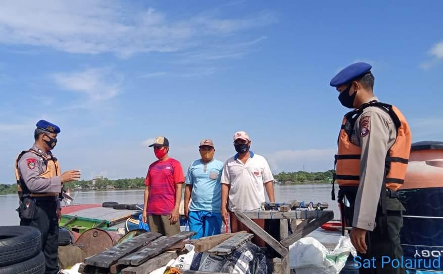 Patroli Perairan, Aipda Krisyanto Ajak Warga Patuhi Protokol Kesehatan