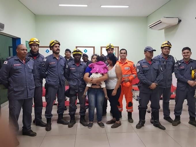 Criança de três anos é resgatada após ficar mais de seis horas desaparecida e percorrer 6 km em trilha em Coronel Fabriciano