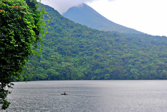 a quiet day in Lake Bulusan