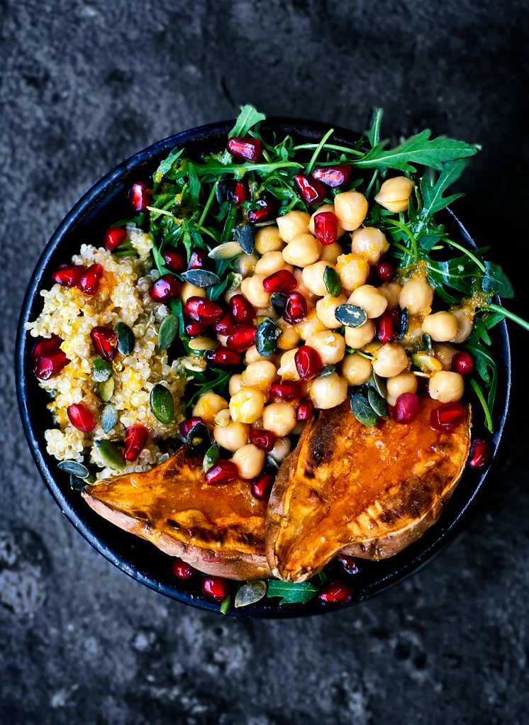 A make-ahead vegan Moroccan lunch bowl with high protein chickpeas, quinoa, and sweet potato. You can make this and have lunch prepared for three days, or as an easy weeknight dinner.