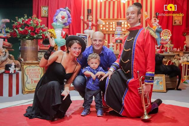 Artistas de circo para show e animação em festa infantil no Rio de Janeiro.