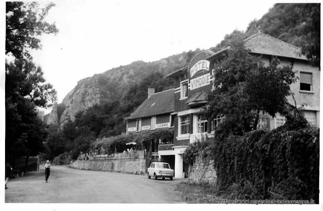 Photo ancienne de l'hôtel Vindrié, Champeau, 63.