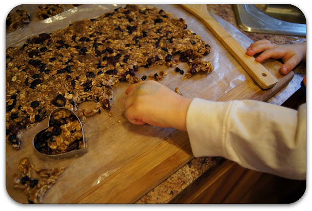 healthy_preschool_toddler_valentines_day_snack_granola