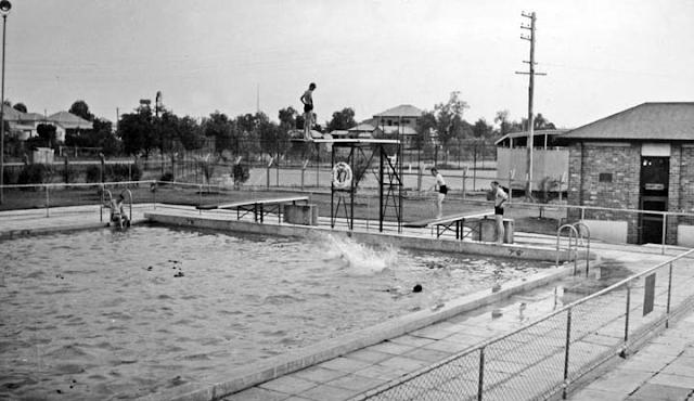 20 October 1940 worldwartwo.filminspector.com pool Queensland