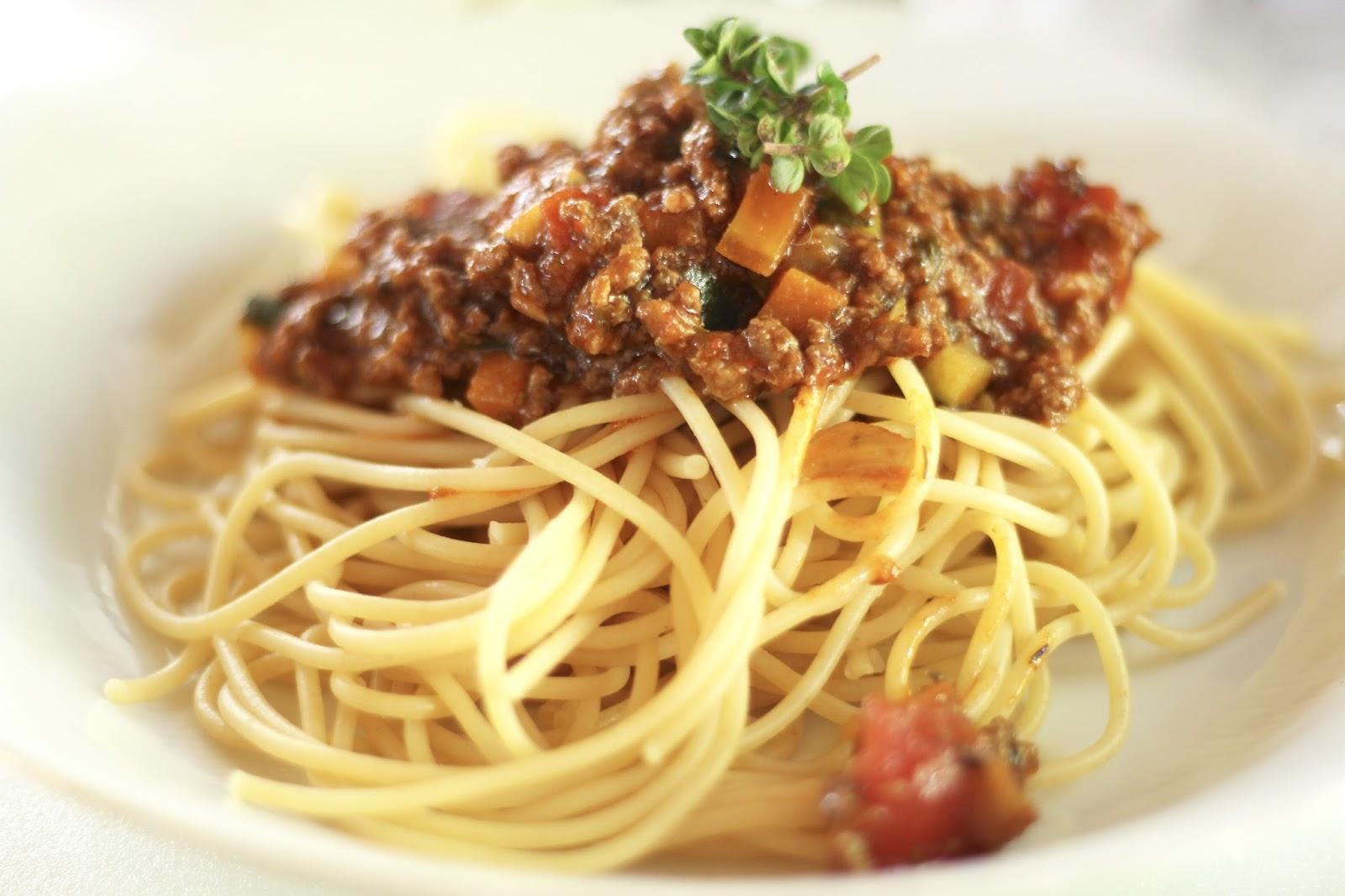 Rezept für leckere Spaghetti Bolognese à la Yushka mit Geheimzutaten: Leserwunsch