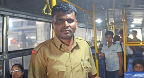 Meet this bus conductor who studied 5 hours daily to clear the UPSC Civil Services exam