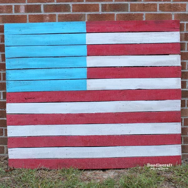 American flag pallet wood sign diy red, white and blue patriotic crafting