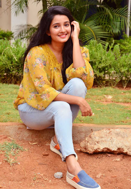 Deepthi Shetty  BOLLYWOOD & TELLYWOOD CELEBS CELEBRATING HOLI PHOTO GALLERY   : IMAGES, GIF, ANIMATED GIF, WALLPAPER, STICKER FOR WHATSAPP & FACEBOOK #EDUCRATSWEB