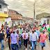 Eunápolis - Cordélia realiza caminhada com centenas de moradores do bairro Moisés Reis