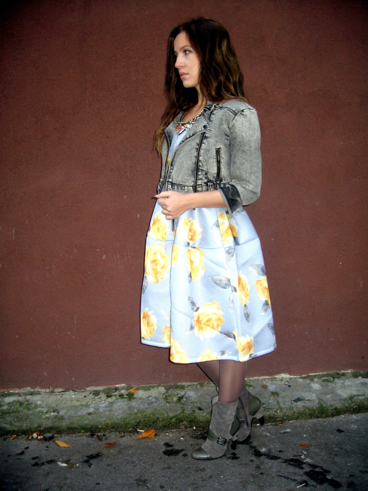 outfit, choies.com, choies dress, blue floral print puff midi dress, grey jean jacket, grey boots, statement necklace