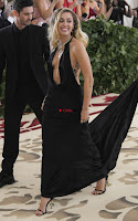 Miley Cyrus and Kylie Jenner at 2018 MET Gala Stunnign Divas ~  Exclusive 017.jpg