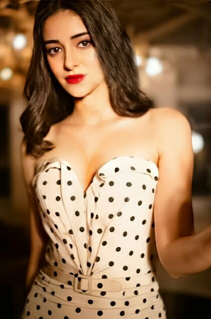 Ananya Pandey Photos, Ananya Pandey Bold Photos, Ananya Pandey Relationship, Ananya Pandey latest photo stills, Ananya Pandey images,