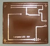 Este es un circuito muy sencillo, que no esta protegido por flux ni antisoldante