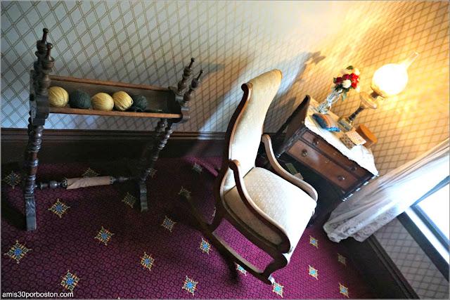 Muebles del Pasillo de la Casa Museo de Harriet Beecher Stowe en Hartford, Connecticut