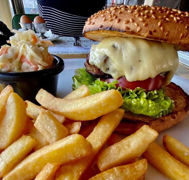 Cheeseburger platter at Τα Βανια, Paphos, Cyprus