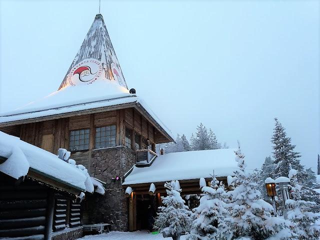 И селото, където живее Дядо Коледа е в карантина в борбата с COVID-19