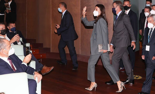 Queen Letizia wore an olive talla  blazer from Bimba Y Lola, and she wore olive trousers from Bimba Y Lola. Hugo Boss silk blouse