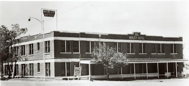 Гостиница «Mobley», приобретённая Конрадом Хилтоном в 1919 году.