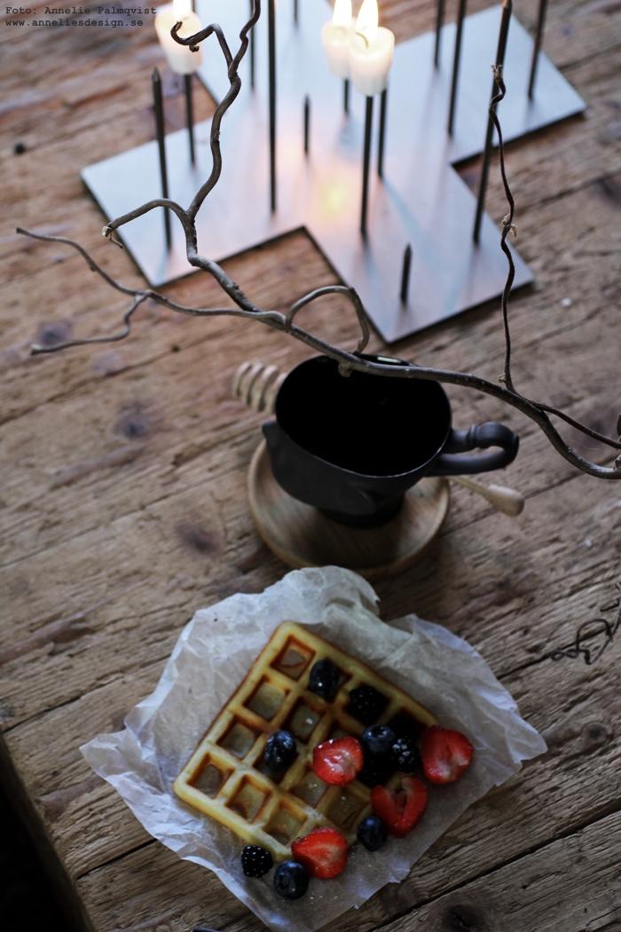 ljusstake, ljusstakar, annelies design, candle cross, ansikte, mugg, muggar, belgisk väffla, belgiska våfflor, våffla, våfflor, kaffekopp, kaffemugg, jordgubbar, blåbär, vako, vas, vatten 120, smaelta, lotta pettersson, inredning, inredningsbutik, presenttips, presentbutik, varberg, webshop, webbutiker, nätbutik, nätbutiker,