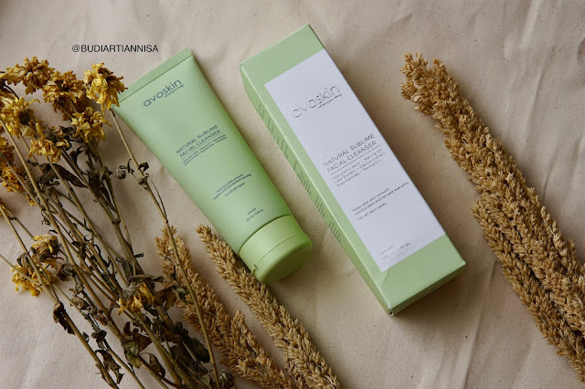 AVOSKIN NAATURAL SUBLIME FACIAL CLEANSER REVIEW