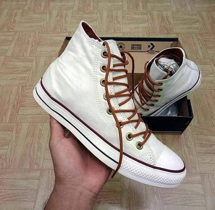 Sepatu Converse High BNIB