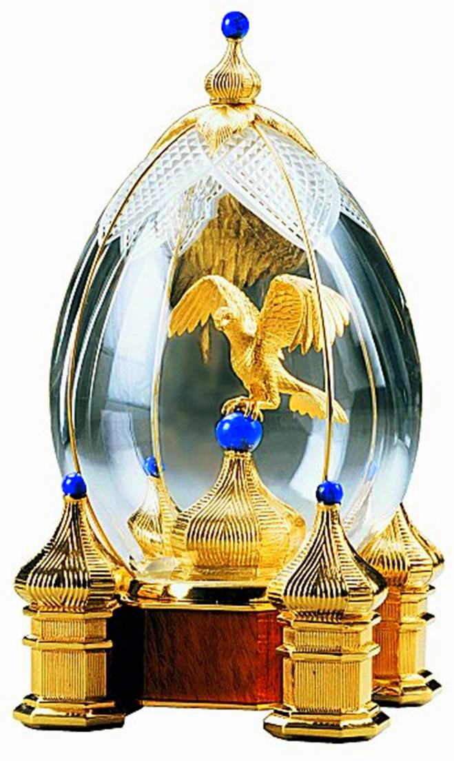 Foto de um Ovo de Fabergé - Águia no Kremlin