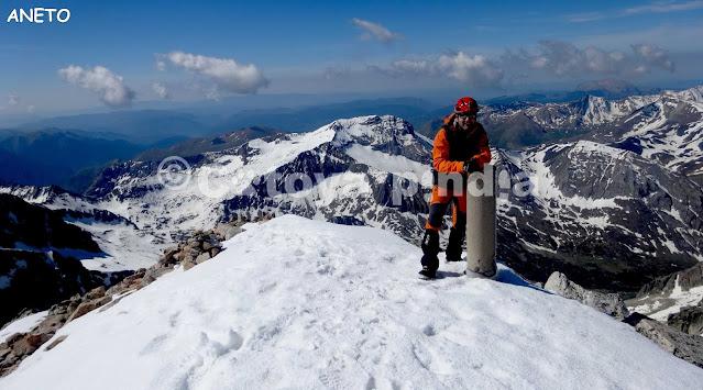 Ruta al Aneto por Coronas. Rutas por los Pirineos