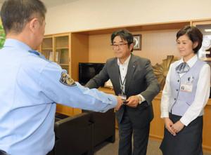 ニセ電話詐欺被害防ぐ 十六銀行則武支店