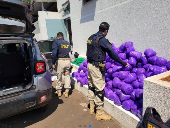 Após fugir e capotar veículo, motorista é preso pela PRF no Paraná