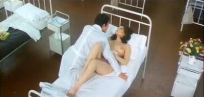 Edwige Fenech nue sur un lit dans LA TOUBIB DU REGIMENT