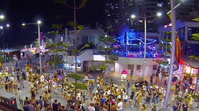 Schoolies Cavill Mall Surfers Paradise