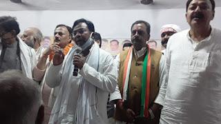 anti-farmer-modi-governemnt-bhakt-charan-das