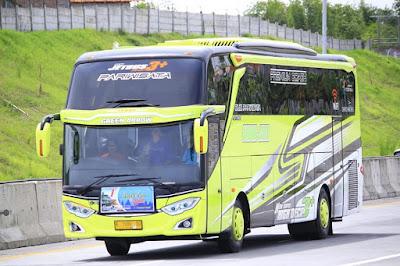 Bus Subur Jaya Green Arrow